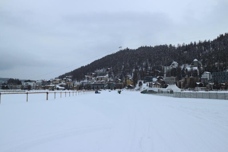Der zugefrorene See von St. Moritz
