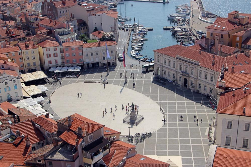 Blick auf den Marktplatz von Piran