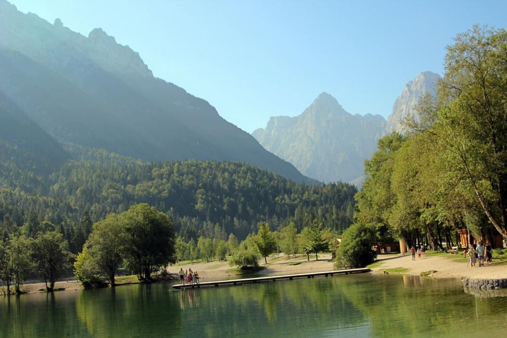Am See von Jasna