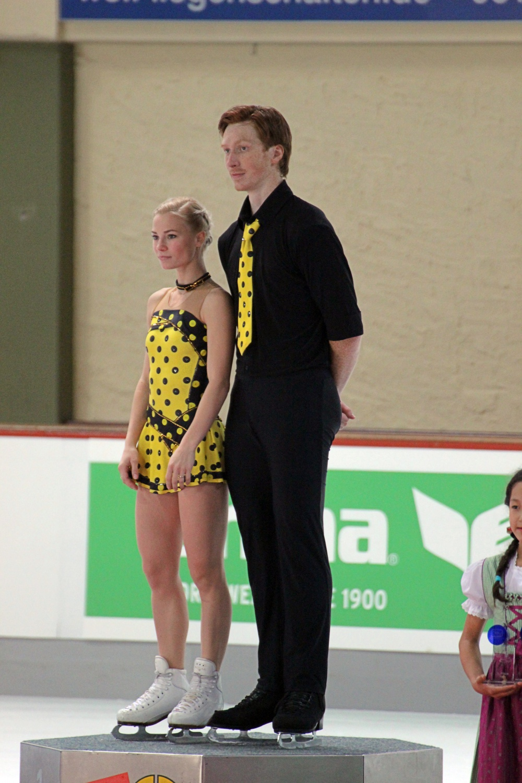 Tarasova Morozov podium