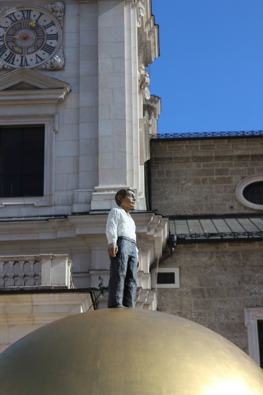 Kunst vor dem Dom von Salzburg