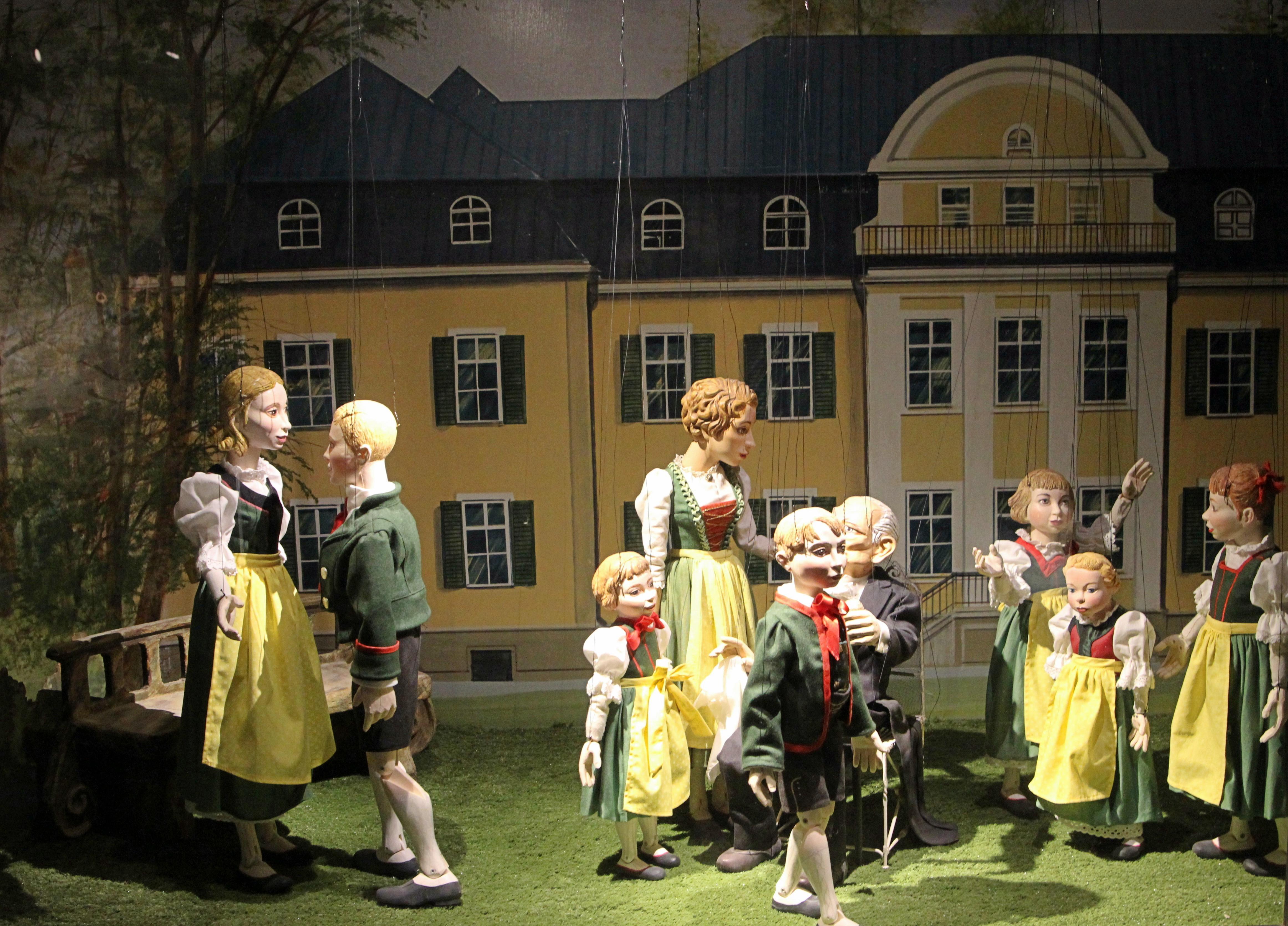 Trapp Familie im Marionettenmuseum Salzburg_The Sound of Music