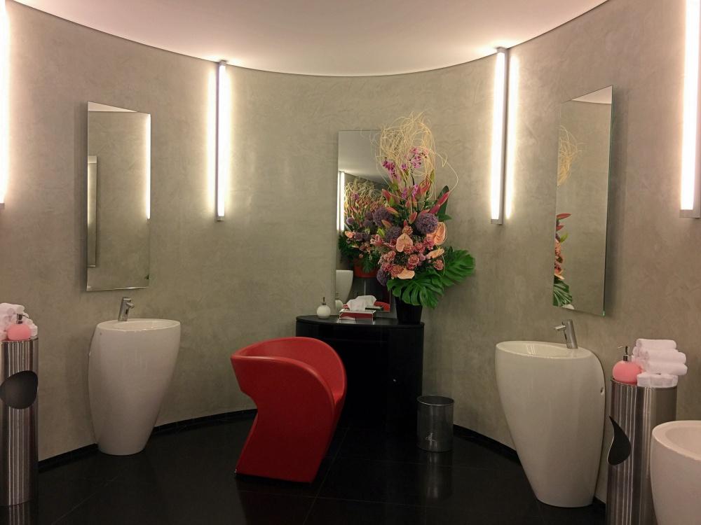 Schönstes WC aller Zeiten im Hangar 7