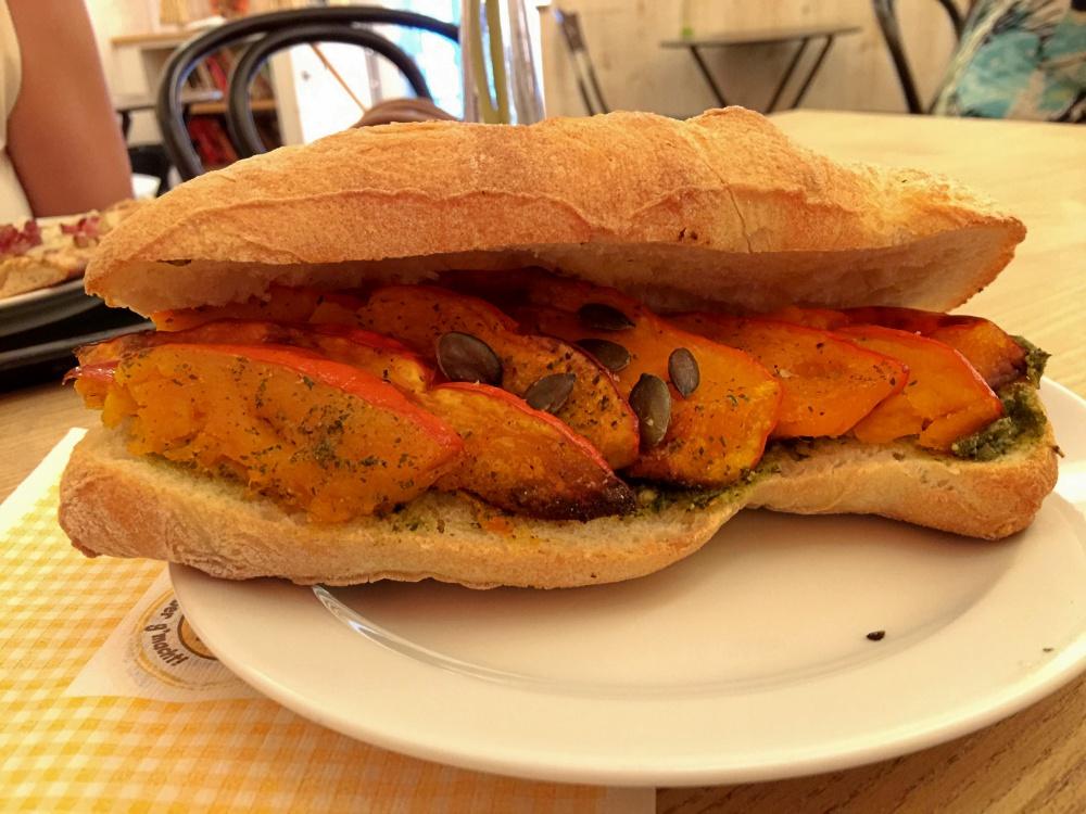 Leselaunen_Sandwich mit Kürbis
