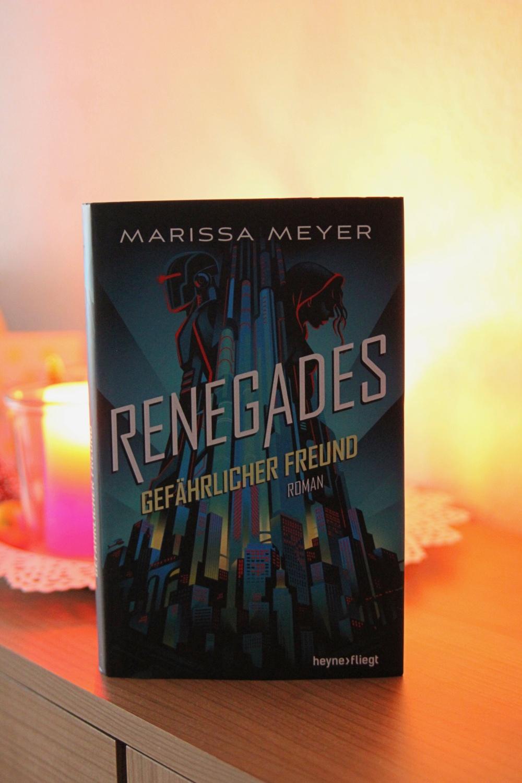 BuchSaiten_Jahresrückblick 2018_Lesejahr 2018_Renegades Marissa Meyer