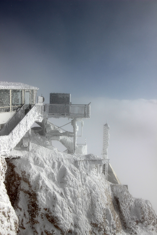 verschneite Zugspitze