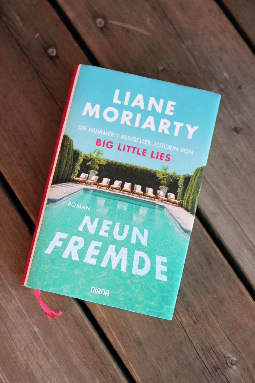 Neun Fremde von Liane Moriarty