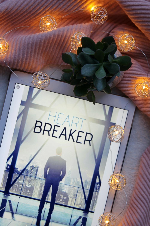 Heartbreaker Avery Flynn Rezension