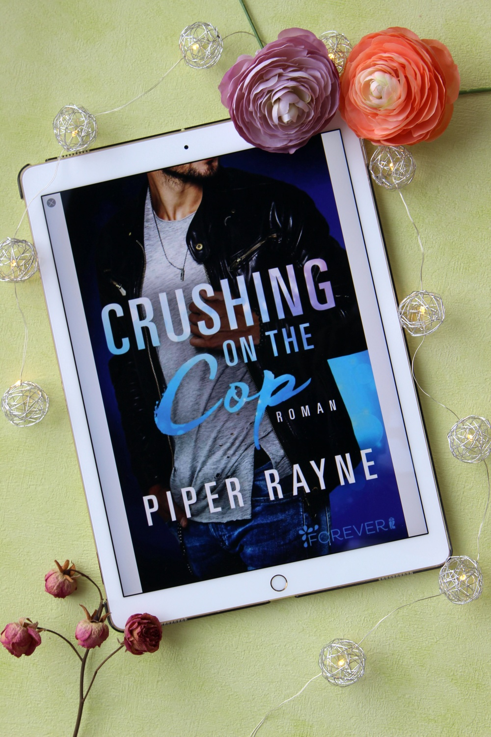 """Crushing on the Cop"" von Piper Rayne"