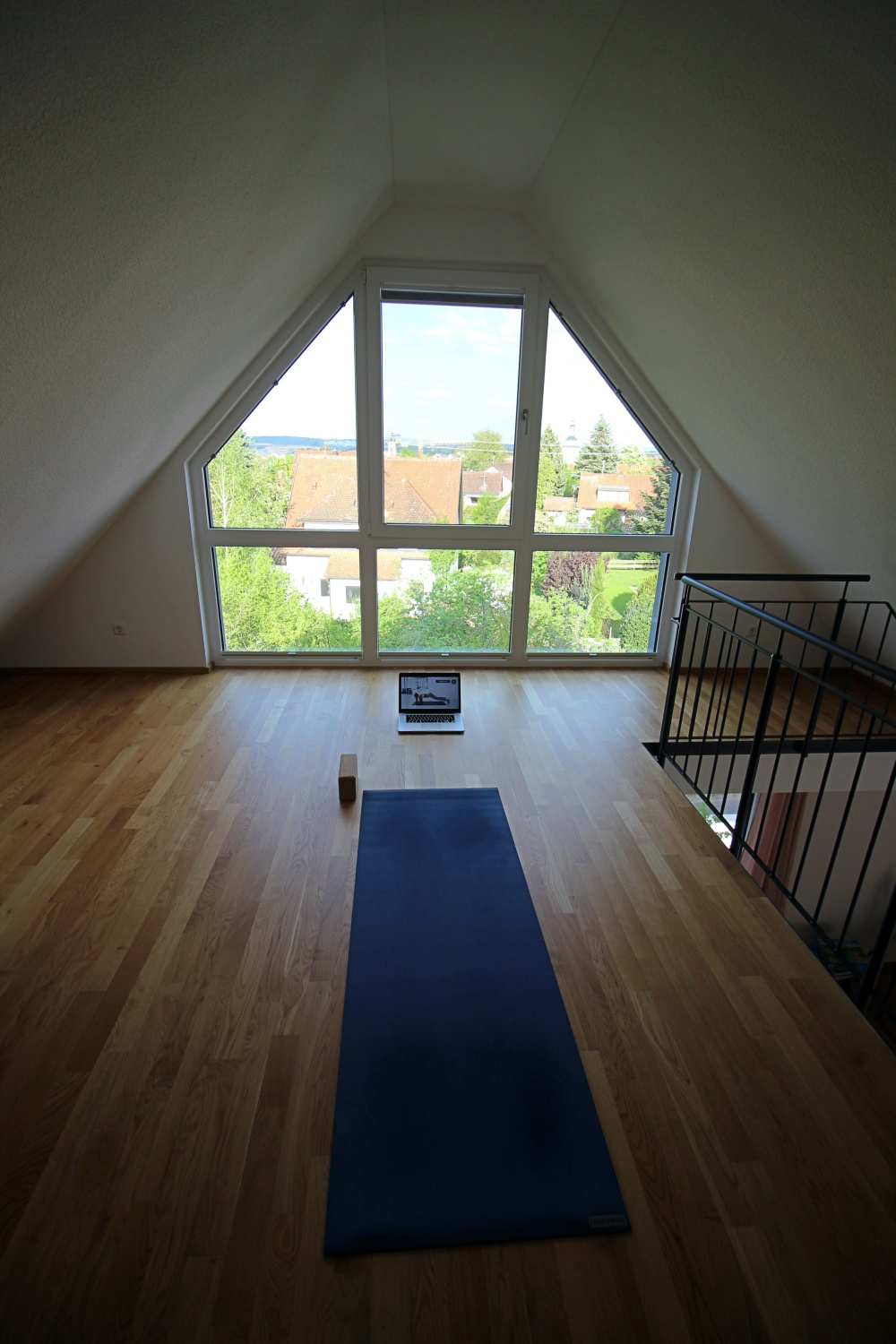 Stay at home_Sportroutine_Yoga