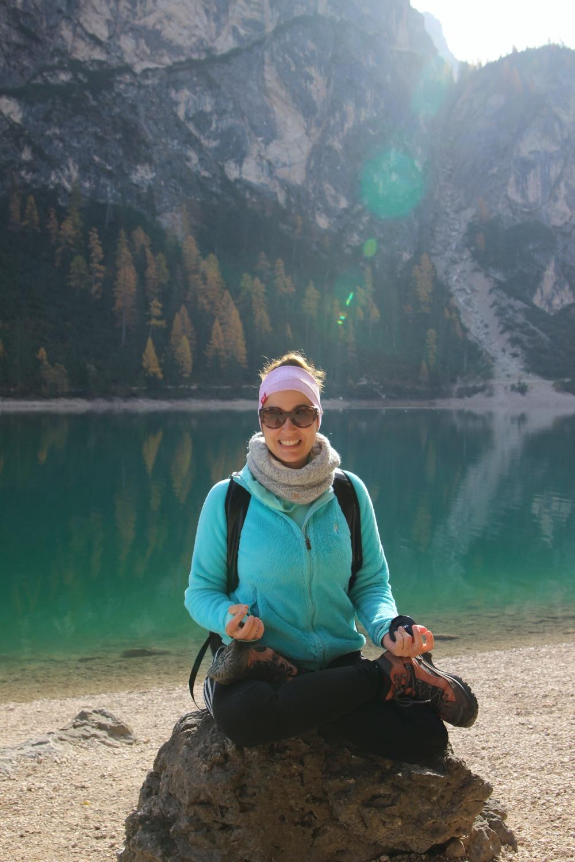 Meine Sportgeschichte Yoga am Pragser Wildsee Lotussitz