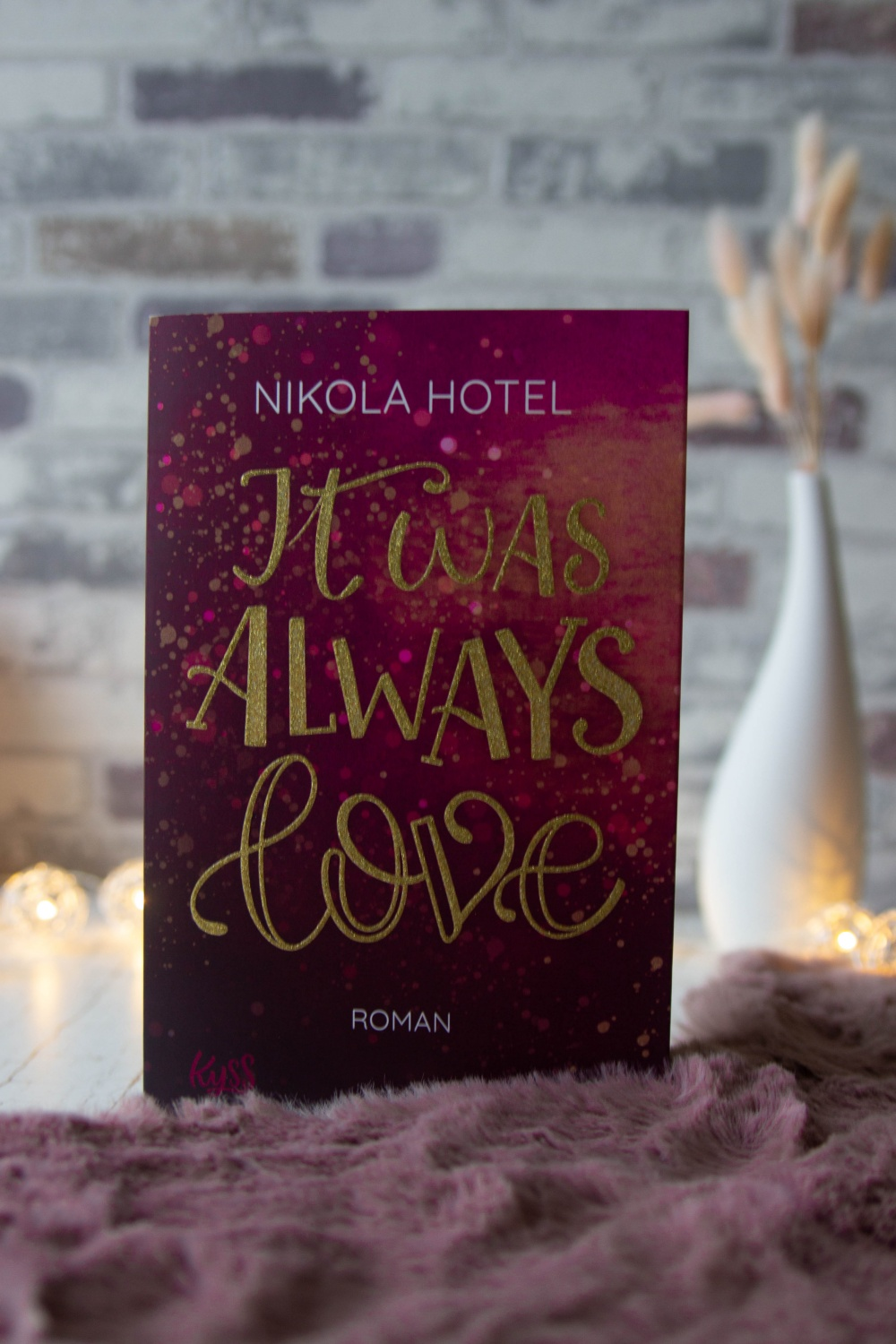 Lesemonat Oktober 2020 It Was Always Love Nikola Hotel