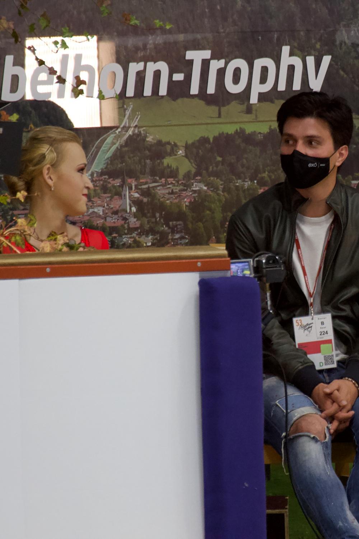Antonina Dubinina Sergei Rozanov_2021 Nebelhorn Trophy_Kurzprogramm Damen