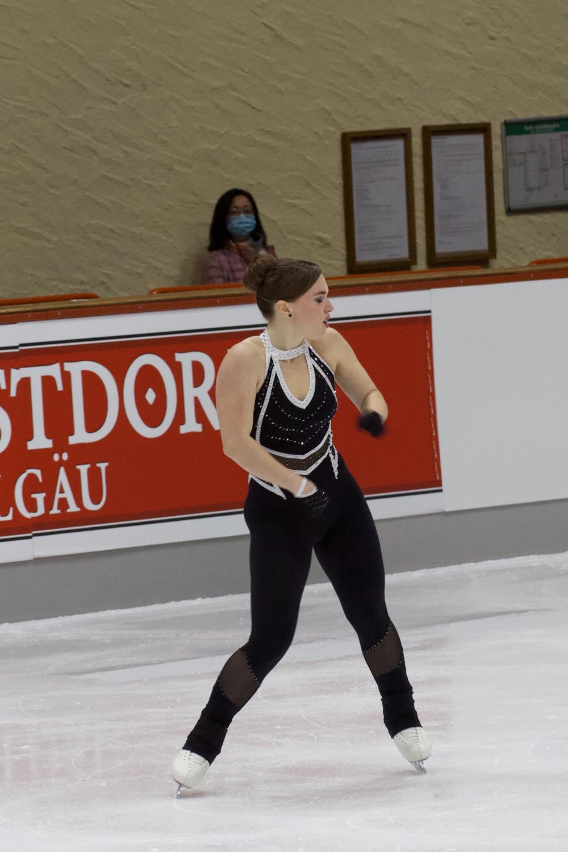 Josefin Taljegard_2021 Nebelhorn Trophy_Kurzprogramm Damen